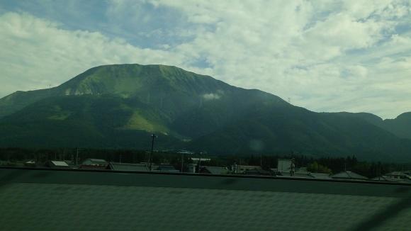 東海道線新幹線からみる伊吹山_d0202264_08491762.jpg