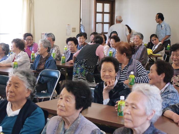 浮田と簑浜演芸交流会「キャベツ祭り」開催される_d0206420_16343552.jpg