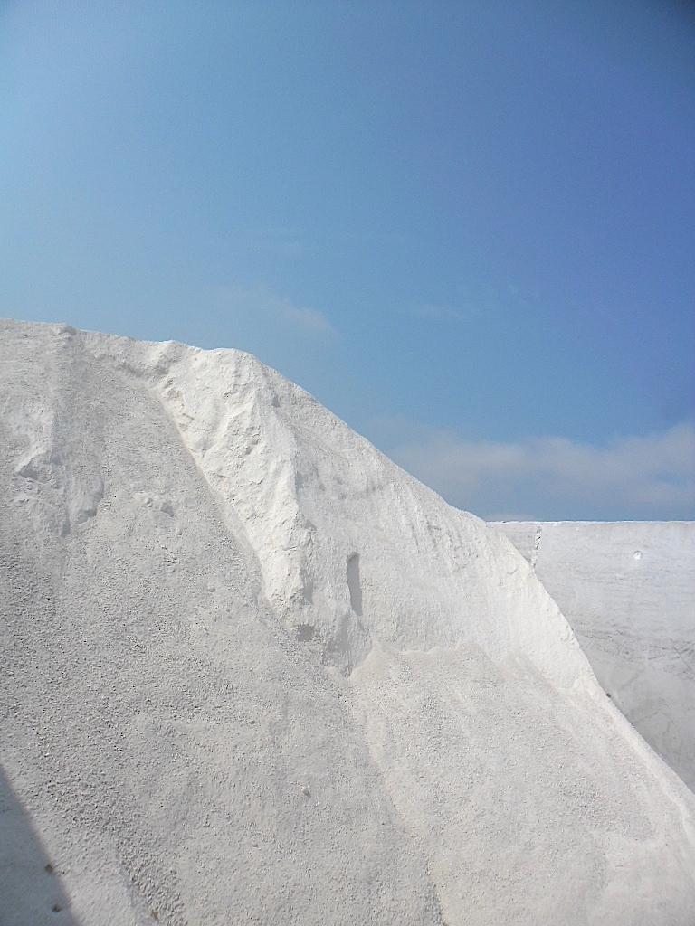 白い山と鉄の粉 Le petit mont blanc et la poudre de fer_e0243221_1657511.jpg