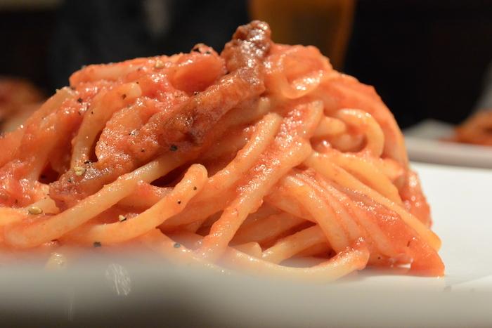 アマトリチャーナはやっぱ太麺パスタがうまいー!&8月21日(金)のランチメニュー_d0243849_22285670.jpg