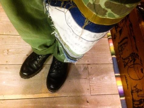 レザージャケットを着る店長_a0108963_18445242.jpg