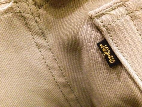 レザージャケットを着る店長_a0108963_18495130.jpg