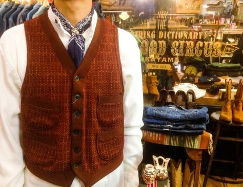 レザージャケットを着る店長_a0108963_18502494.jpg