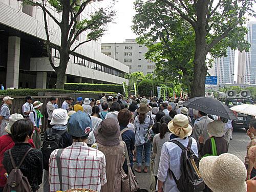 砂のゴジラ 福島原発告訴団 アスベスト訴訟 NHK大包囲_a0188487_17471934.jpg