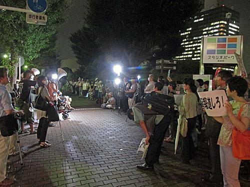 砂のゴジラ 福島原発告訴団 アスベスト訴訟 NHK大包囲_a0188487_17482380.jpg