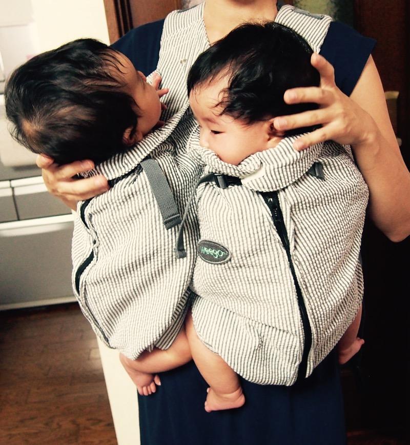 双子用抱っこひも「ウィーゴツイン」_e0030586_11564983.jpg