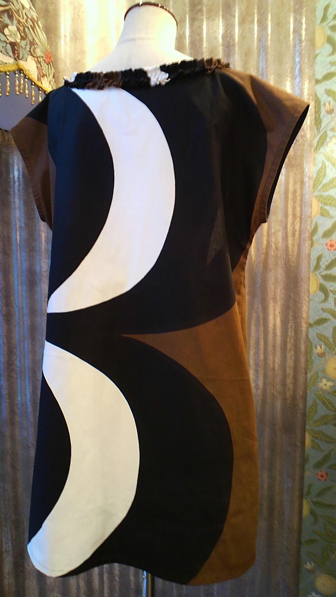 カーテン生地で作る 洋服 _c0157866_18543861.jpg