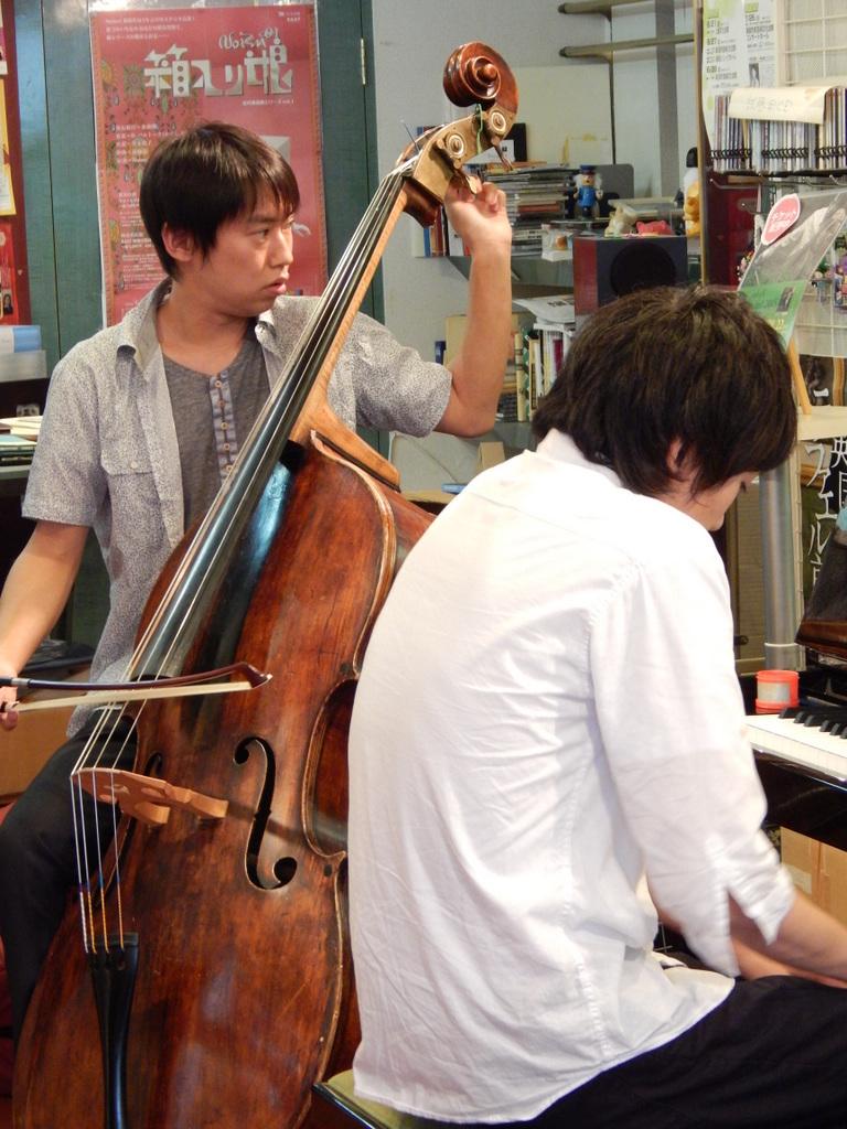 昨日は幣隆太郎さんインストアライブ。すごかったです。_e0046190_152564.jpg