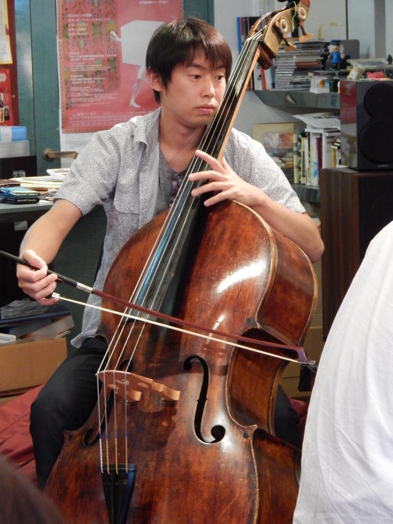 昨日は幣隆太郎さんインストアライブ。すごかったです。_e0046190_153345.jpg
