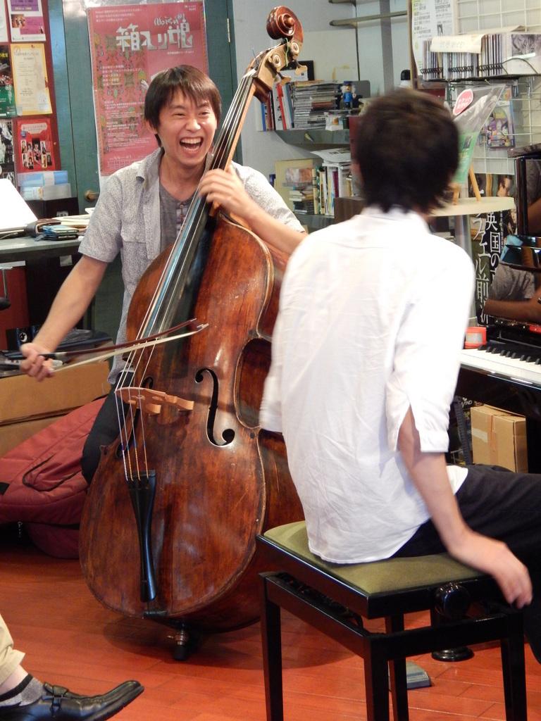 昨日は幣隆太郎さんインストアライブ。すごかったです。_e0046190_153935.jpg