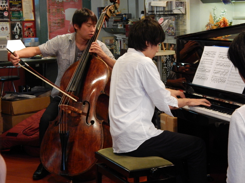 昨日は幣隆太郎さんインストアライブ。すごかったです。_e0046190_1543521.jpg
