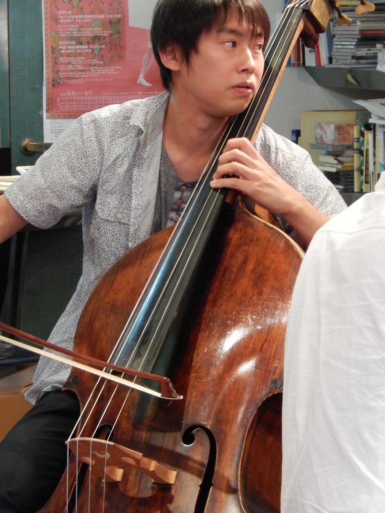 昨日は幣隆太郎さんインストアライブ。すごかったです。_e0046190_1552215.jpg