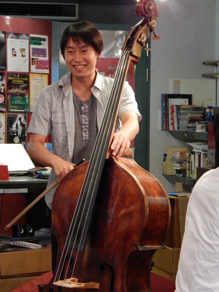 昨日は幣隆太郎さんインストアライブ。すごかったです。_e0046190_1553496.jpg