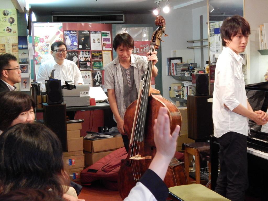 昨日は幣隆太郎さんインストアライブ。すごかったです。_e0046190_1555694.jpg