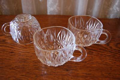 【NEW】古いガラスのカップ_f0155891_12293570.jpg