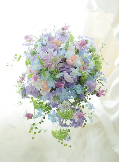 シャワーブーケと花冠 ヨコハマ グランド インターコンチネンタルホテル様へ 水色のドレスに_a0042928_4414886.jpg