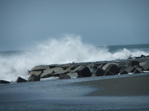相模湾は高波注意...です。_b0137932_14102753.jpg