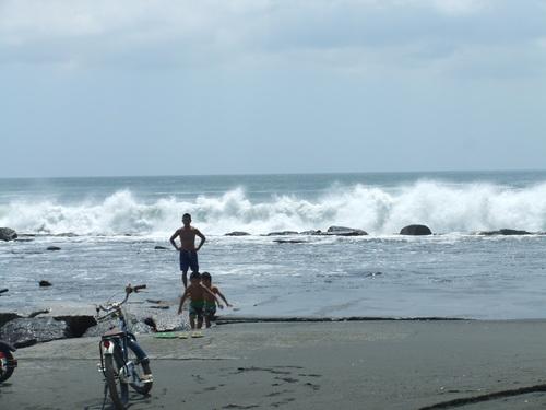 相模湾は高波注意...です。_b0137932_1454838.jpg