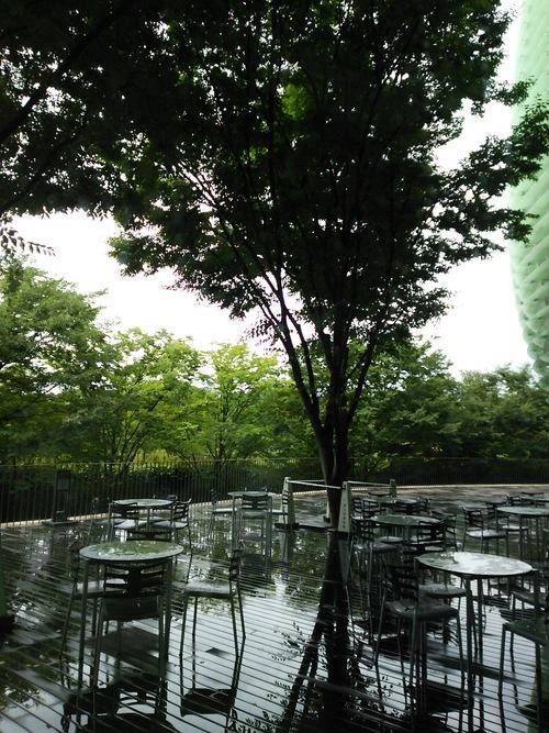 夏のご近所)表参道駅、国立新美術館アーティストファイル展、ヒカリエ・d47 museum_e0091712_2164833.jpg