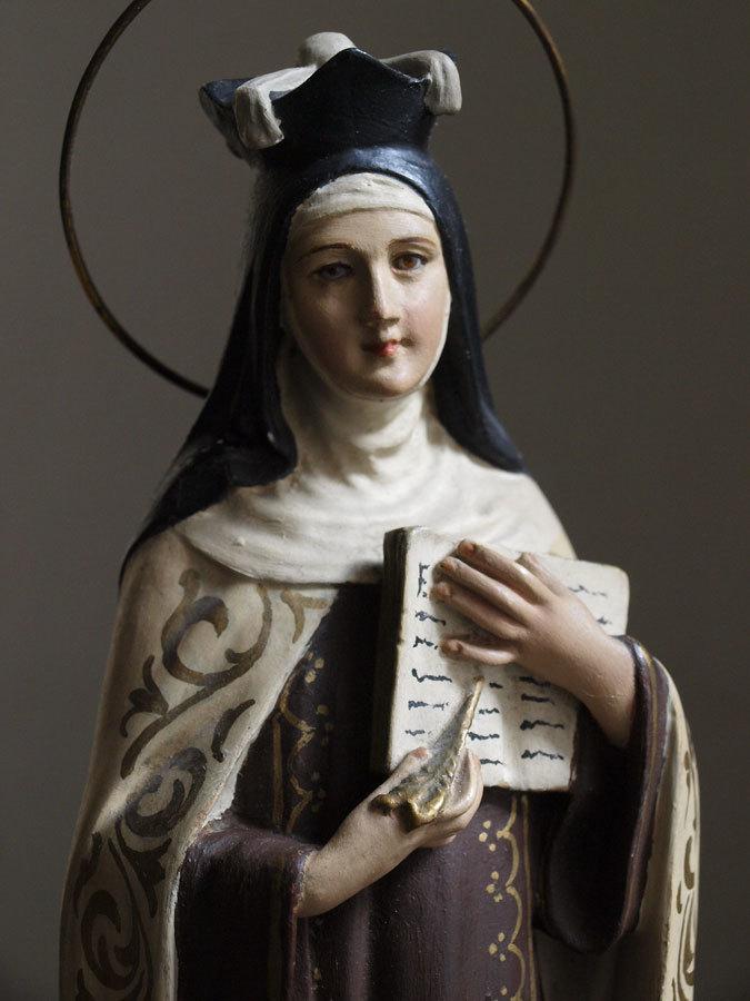 アビラの聖テレサ像 聡明な顔立...