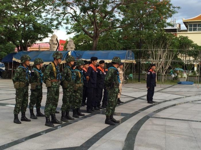 非常事態な国ThaiLand_f0331651_12432501.jpg