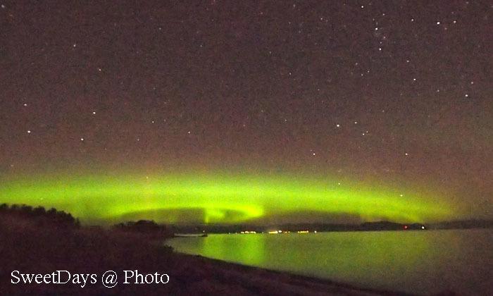 家の近くでオーロラ観測 ~ Aurora Borealis on Vancouver Island_e0046675_06133735.jpg