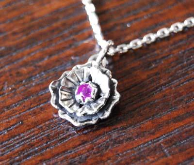 花のペンダント_f0155891_15452290.jpg
