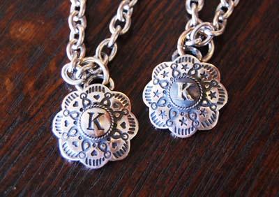 コンチョのドッグネックレス(お揃い)_f0155891_15504614.jpg