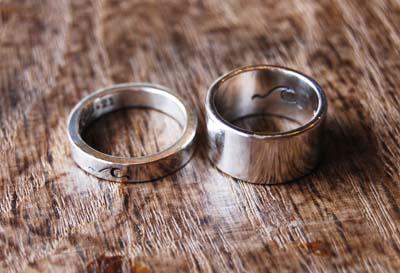 波ワンポイントの結婚指輪_f0155891_1682223.jpg