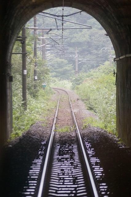 藤田八束の終戦から70年: 70年の思い出(5)・・・地方創生は日本経済復興の鍵、鉄道事業への期待_d0181492_2321426.jpg