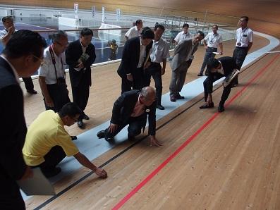 2015. 8.17 静岡県内の大型木造スポーツ施設を視察_a0255967_9374941.jpg