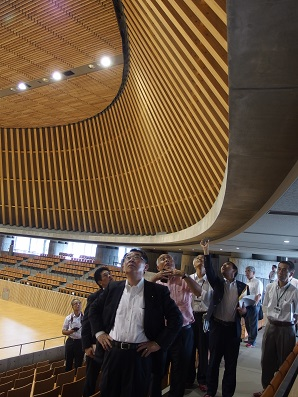 2015. 8.17 静岡県内の大型木造スポーツ施設を視察_a0255967_9382417.jpg