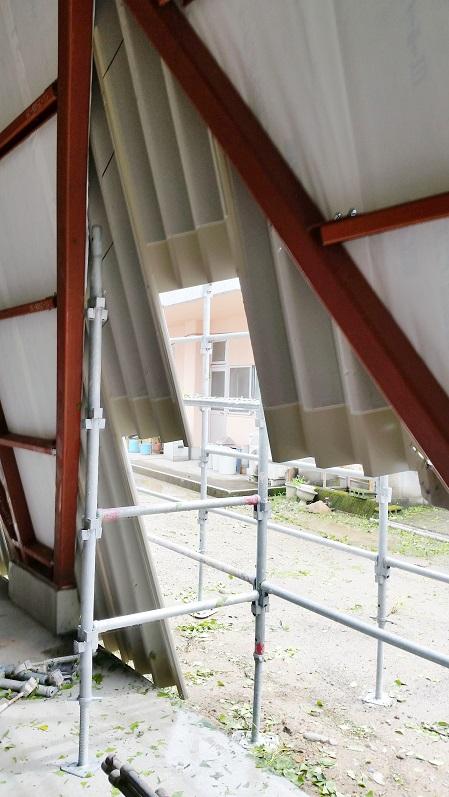 屋根製作中_d0174072_2017746.jpg