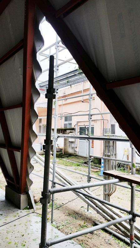 屋根製作中_d0174072_209267.jpg