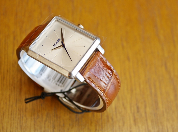 「NIXON SMALL TIME TELLER LEATHER、K SQUARED、FACET 38、BULLET LEATHER」_f0208675_17112843.jpg