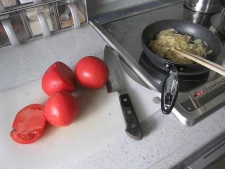 トマトシチューと飾ったお花_a0279743_20594459.jpg