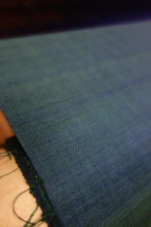 今取り掛かっている、杉綾織りの紬は・・・。_f0177373_2021118.jpg