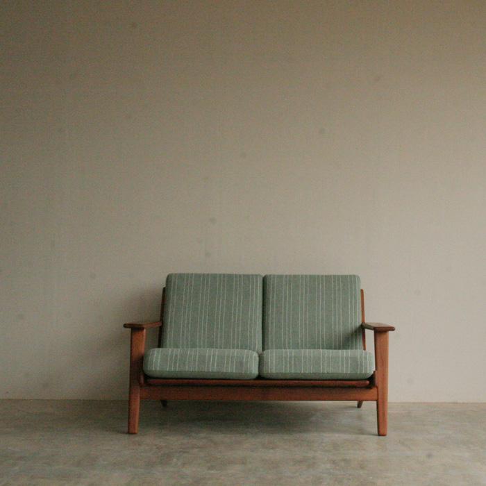 『 Hans J Wegner GE-2902 Sofa(Teak)』_c0211307_13585854.jpg