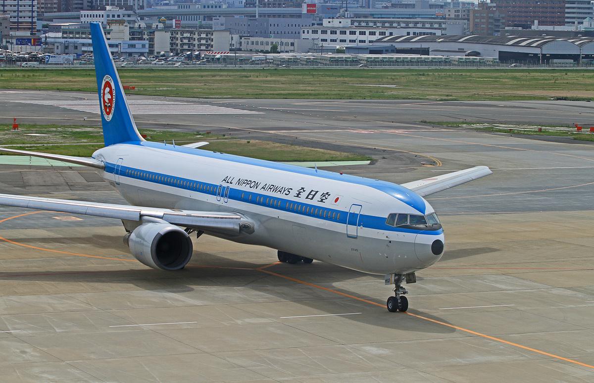 JAL  Boeing767-300。_b0044115_99462.jpg