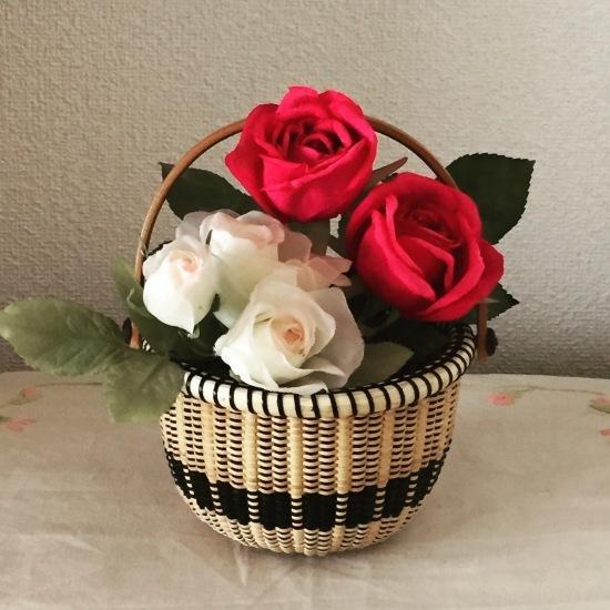 ゴスペル調のバスケットには薔薇を❤️_f0197215_10295843.jpg