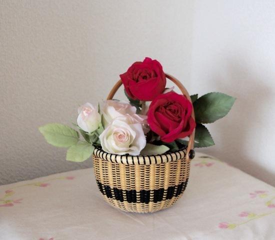 ゴスペル調のバスケットには薔薇を❤️_f0197215_10300242.jpg
