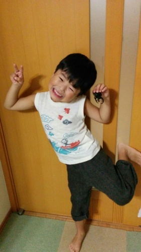 4歳男子。手織りリネンを着こなす。_a0316554_11343386.jpg