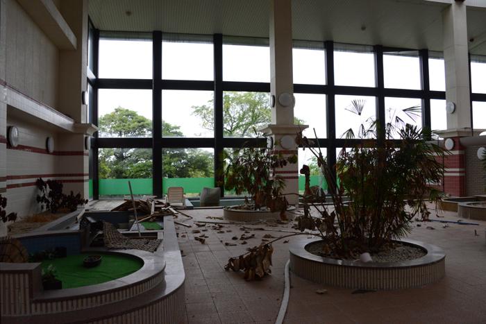 加賀温泉のホテル廃墟:観音温泉ホテル写真_e0171573_21185789.jpg