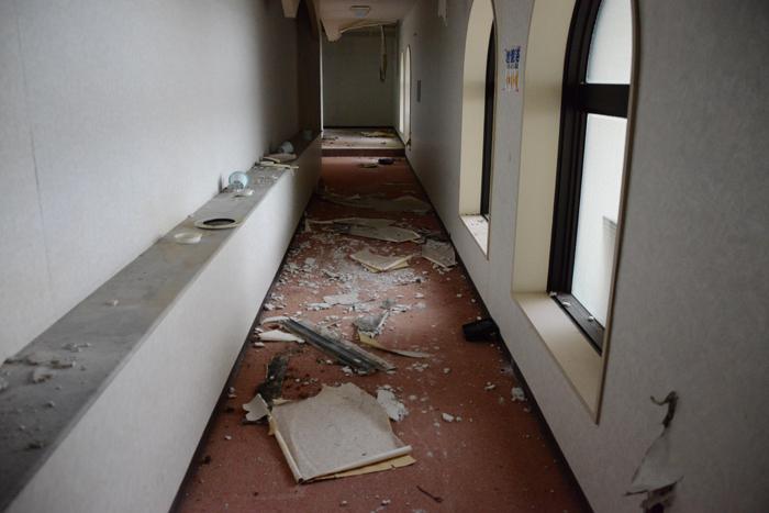 加賀温泉のホテル廃墟:観音温泉ホテル写真_e0171573_2119154.jpg