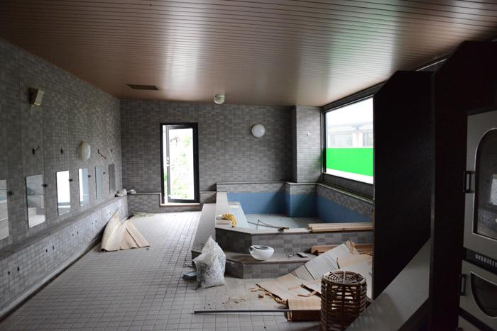 加賀温泉のホテル廃墟:観音温泉ホテル写真_e0171573_2119174.jpg