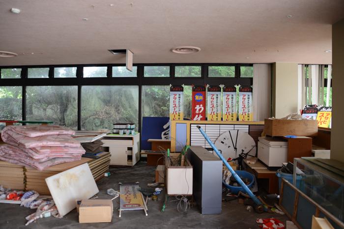 加賀温泉のホテル廃墟:観音温泉ホテル写真_e0171573_21192497.jpg