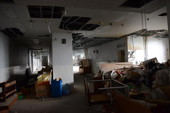 加賀温泉のホテル廃墟:観音温泉ホテル写真_e0171573_21195675.jpg