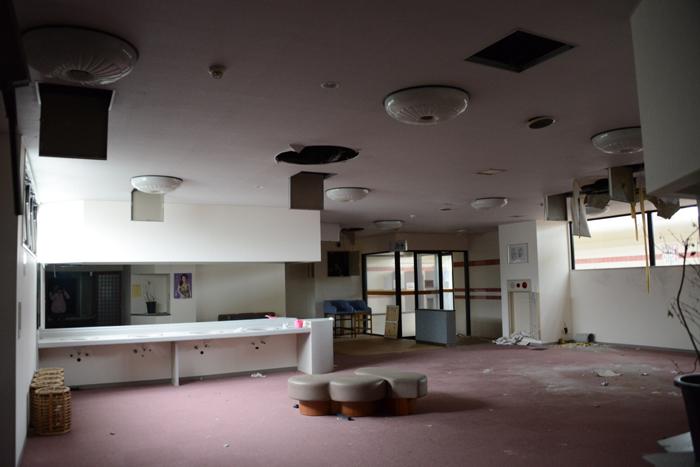 加賀温泉のホテル廃墟:観音温泉ホテル写真_e0171573_2119679.jpg