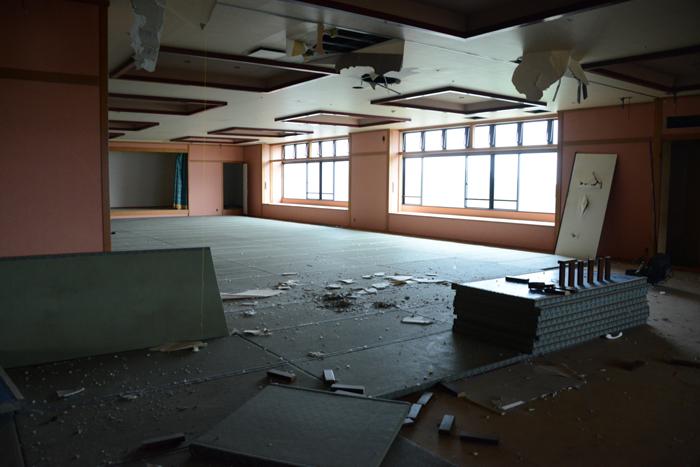 加賀温泉のホテル廃墟:観音温泉ホテル写真_e0171573_2120202.jpg