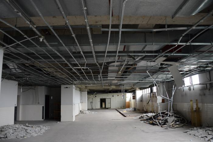 加賀温泉のホテル廃墟:観音温泉ホテル写真_e0171573_21202452.jpg